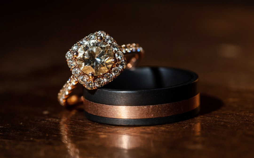 How to Buy a Wedding Ring Online?