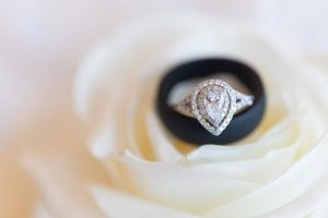 how to buy a wedding ring online? There are numerous wedding ring online shopping platforms that will allow you to purchase wedding rings at the best prices.